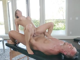 Munificence milf ends up fucking with the masseur