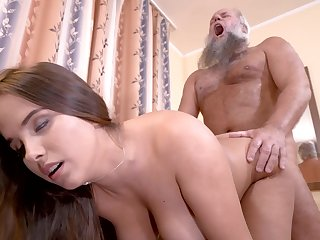 Curvy woman cunt filled by grandpa cock in his astir room