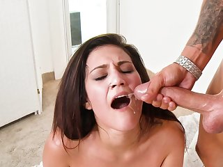 Big cock plows a hottie and gives her a sticky facial