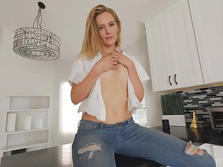 Blonde MILF Mona takes off her close-fisted jeans with the addition of masturbates