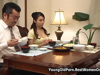 Japanese Young Dude Gives Pleasure To Girlfriend