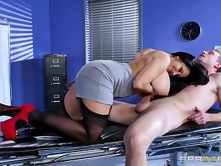 Brazzers - Ava Addams - Water down Expectations