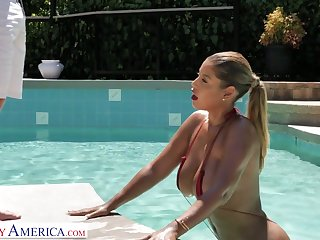 Fantastic curvaceous sexpot Bridgette B deserves by a hair's breadth good pussy banging
