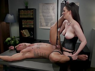 Inner office lady treats her man relating to dirty modes