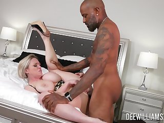 Mature unladylike gets fucked by a unscrupulous man, better than hubby does
