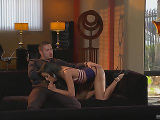 Intense hard sex and sloppy BJ for a beauty exposed to heels