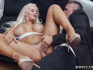 Horny hatter fucked domineer pretty good cougar on the sofa
