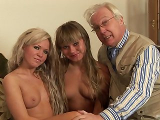 The hottest old increased by young foursome action