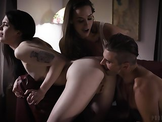 Quite bootyful cowgirl Chanel Preston feels nice fucking nutty by means of triple