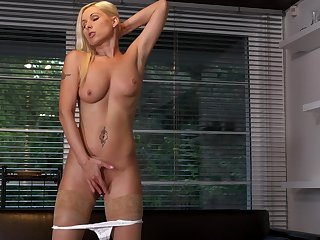 Sexy blonde chick Vanessa Hell-fire plays with her orgasmic pussy