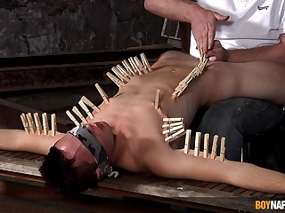 Clamped twink endures plenty of dig up in his excellent ass