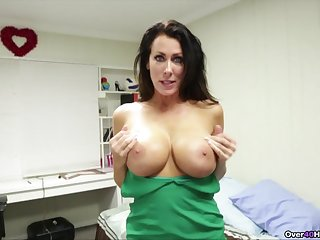 Let mommy suck that dick in the sloppiest manners