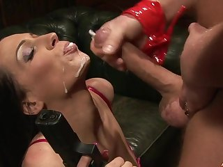 Sexy pornstar Tammie Lee gives head and rides his stiff load of shit