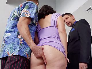 Womanizer romps in anal invasion mate's wifey at soiree